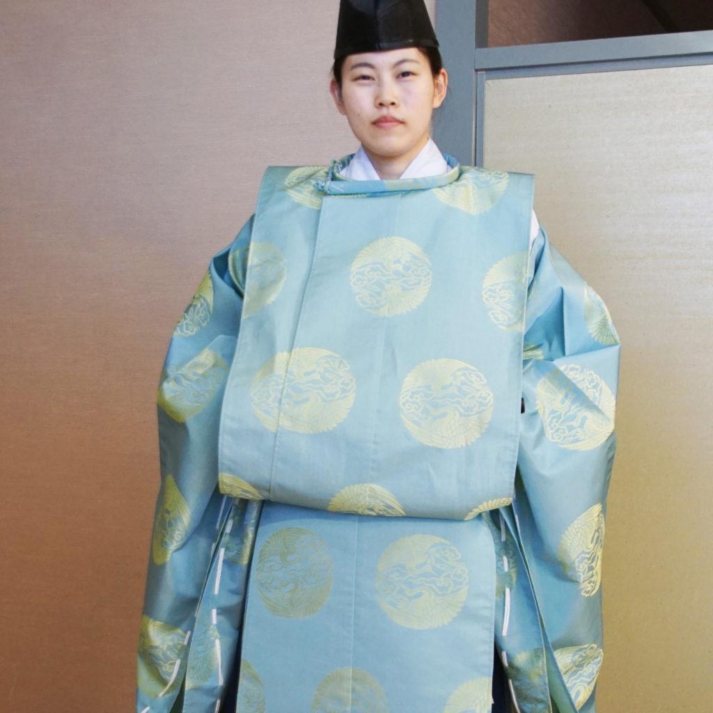 狩衣(水色)切袴(紺色)